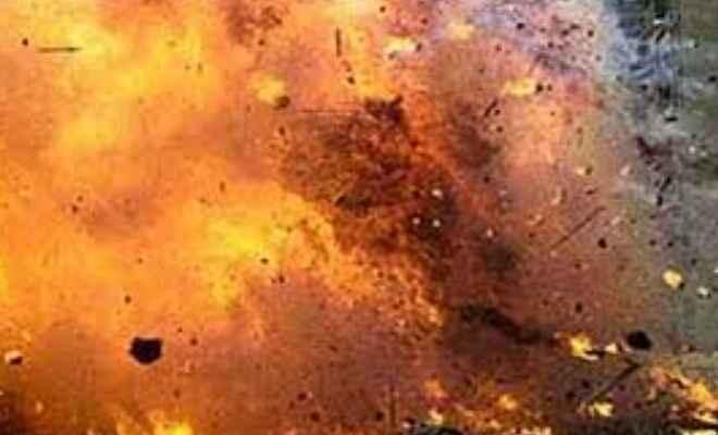 शिकारगंज के नारायणपुर दलित बस्ती में विधुत शॉट सर्किट से लगी आग, दर्जनों घर जलकर राख
