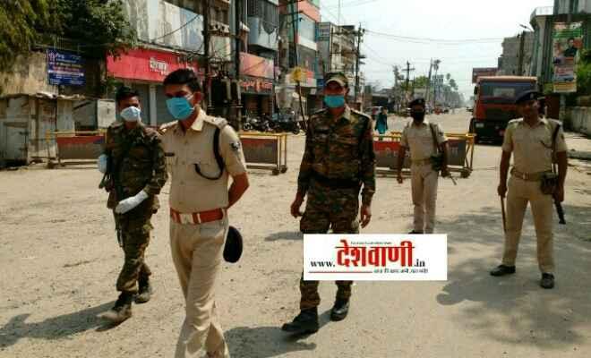 रक्सौल पुलिस लॉक डाउन का पालन कराने के लिए कर रही नियमित गस्ती
