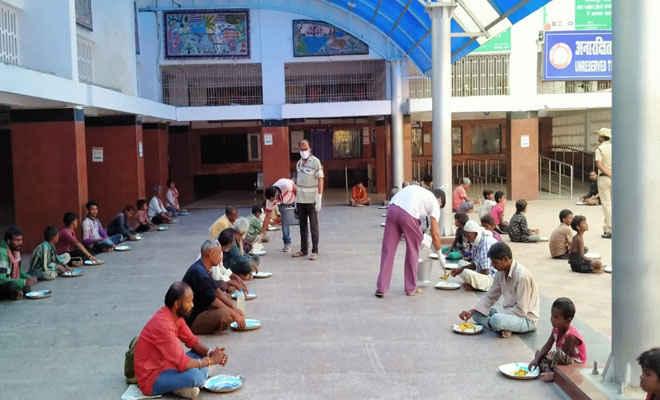 रेलवे की रसोई से डेढ़ लाख लोगों को कराया गया भोजन, लॉकडाउन की अंतिम तिथि तक सेवा रहेगी जारी
