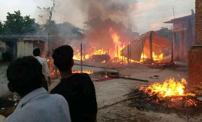 कुशीनगर: आग लगने से महिला की मौत