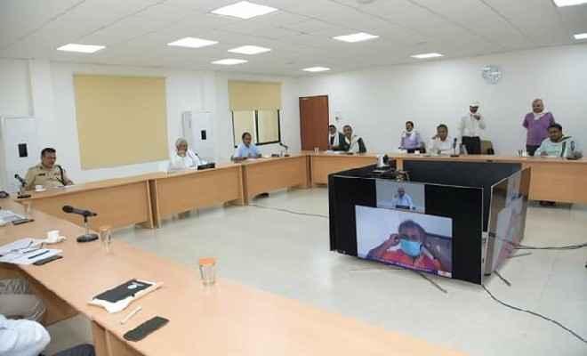 बिहार के मुख्यमंत्री नीतीश कुमार  ने वीडियो कांफ्रेंस के माध्यम से जिला के दो क्वारंटाइन सेंटरों का  अवलोकन व निरीक्षण किया