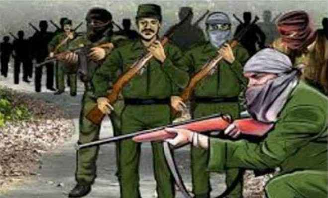 झारखंड: सुरक्षा बलों के साथ मुठभेड़ में तीन नक्सली मारे गए, एक घायल