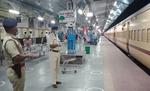 4 बजे से स्पेशल ट्रेनों का नहीं शुरू हो सका रिजर्वेशन, आईआरसीटीसी ने कहा- शीध्र शुरू होगी बुकिंग, सिस्टम हो रहा अपलोड
