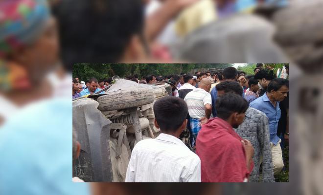 मोतिहारी के कोटवा में कंटेनर व कार में भीषण टक्कर, दो युवकों की मौत चार अन्य घायल, दो की स्थित गंभीर