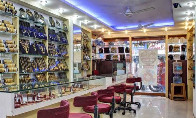 मोतिहारी में सोना चांदी की दुकानों को सप्ताह में तीन दिन ही खोलने का हुआ निर्णय, तत्काल 12 जुलाई तक बंद रखी जाएगी आभूषण की दुकान