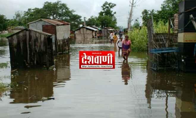 लगातार हो रही बारिश से रक्सौल शहर के कई वार्ड जलमग्न