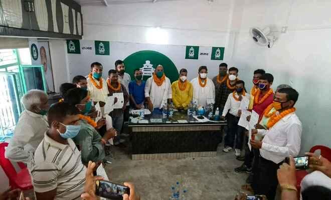 रक्सौल युवा राजद प्रखण्ड टीम का हुआ विस्तार