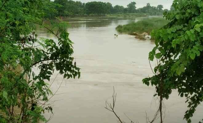 रक्सौल: हरदिया कोठी गाँव में अभी भी नदियों के कटाव से ग्रामीणों में दहशत का माहौल
