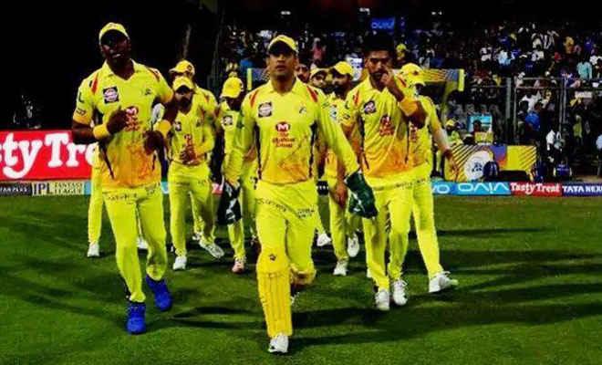 इंडियन प्रीमियर लीग 2020: चेन्नई सुपर किंग्स के एक खिलाड़ी को कोरोना, 12 सपोर्ट स्टाफ भी संक्रमित