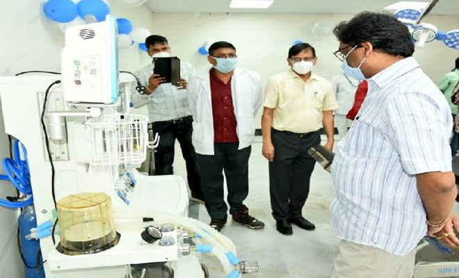 मुख्यमंत्री  हेमंत सोरेन ने दुमका मेडिकल कॉलेज अस्पताल में कोविड-19 टेस्ट लैब का किया उद्घाटन