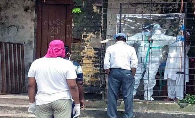 झारखंड: पिछले 24 घंटे में 1702 नए संक्रमित मिले, आठ लाेगाें की मौत