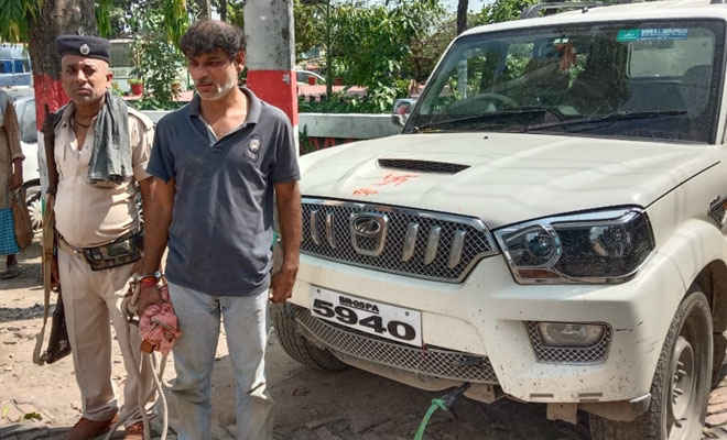चनपटिया से चोरी गई स्कॉर्पियो को मोतिहारी की पुलिस ने बलुआ ओवर ब्रिज से खदेड़कर बरियारपुर में पकड़ा