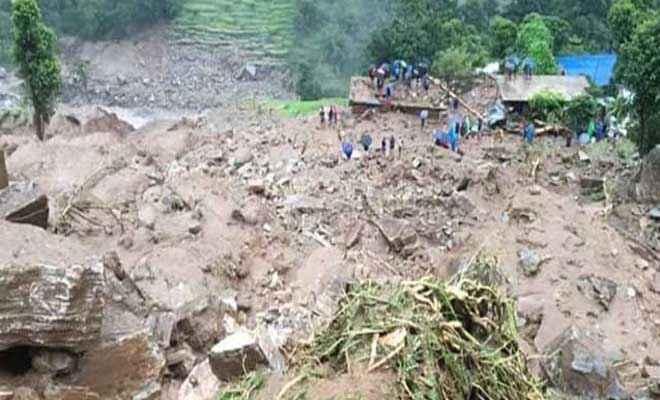 नेपाल में भारी बारिश से भूस्खलन के कारण 12 लोगों की मौत, कई लापता