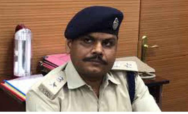 मोतिहारी के कई पुलिस पदाधिकारी इधर से उधर, छतौनी के नये एसएचओ नित्यानंद चौहान  व नगर थानाध्यक्ष बने विजय प्रसाद राय,जबकि मधुबन एसएचओ पर हुई कार्यवाई