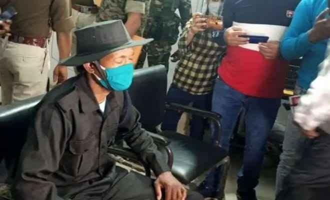 झारखंड: रांची में 10 लाख रुपये का इनामी नक्सली कमांडर जीवन कंडुलना ने किया आत्मसमर्पण