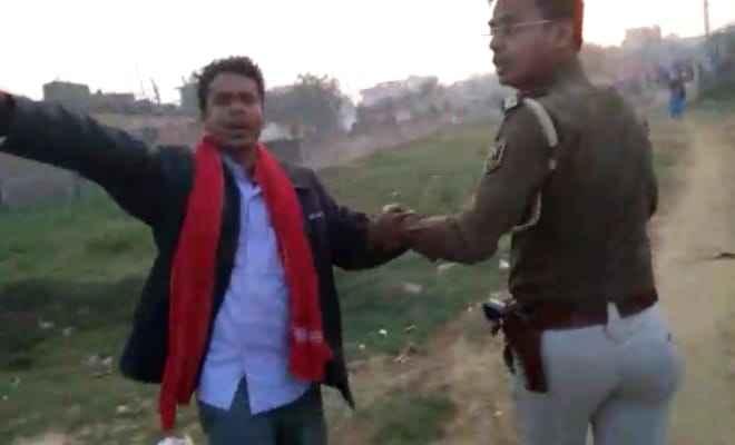 रक्सौल: पुलिस ने अलग-अलग स्थान पर छापेमारी कर दो को किया गिरफ्तार
