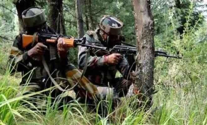 जम्मू-कश्मीर: पुलवामा में पुलिस ने आतंकवादियों के ठिकाने का किया भंडाफोड़