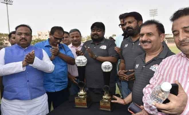 कपिल देव की मौजूदगी में होगा बिहार क्रिकेट लीग का आगाज, आज हुआ ट्रॉफी अनावरण