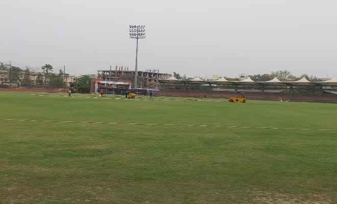 बिहार क्रिकेट लीग में शामिल होने कपिल देव पहुंचे पटना, लीग का आगाज आज से