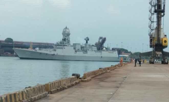 भारतीय नौसेना के जहाज कोच्चि और तबर महत्वपूर्ण चिकित्सा सामग्री लेकर न्यू मैंगलोर बंदरगाह पहुंचे
