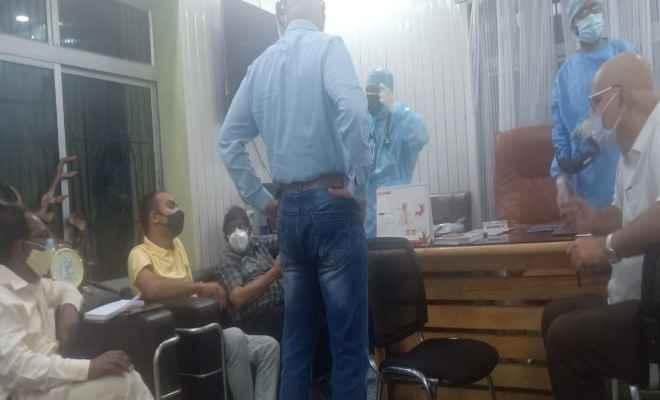 रक्सौल: एसआरपी हॉस्पिटल पहुँची जिला से आई जाँच टीम, ऑक्सीजन की किल्लत सहित अन्य सुविधाओं की हो रही जाँच