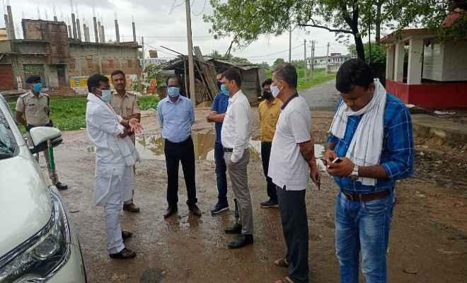 बाटा चौक से आईसीपी लिंक रोड तक जानेवाली सड़क का रक्सौल विधायक प्रमोद सिन्हा और  अधिकारियों ने किया निरीक्षण