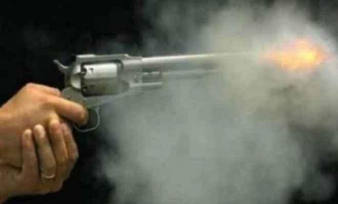 झारखंड: चाईबासा में जिला परिषद सदस्य के छोटे भाई की हत्या, आक्रोशित लोगों ने आरोपी को पीट-पीटकर मार डाला