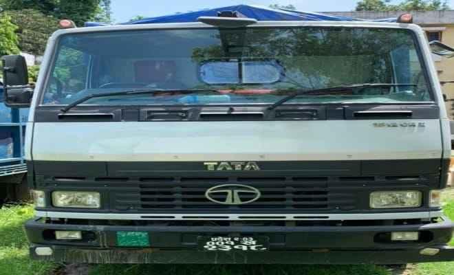 रक्सौल: कस्टम अधिकारियों ने एक ट्रक तस्करी का समान किया जब्त